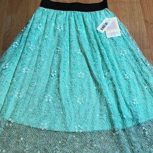 Xxs Lola Skirt with GORGEOUS lace overlay! NWT ❤️